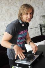 111028_David Guetta est platiniste 01